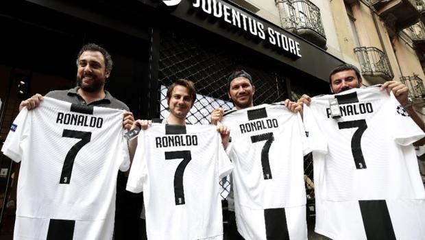 Cristiano Ronaldo Juventus fans