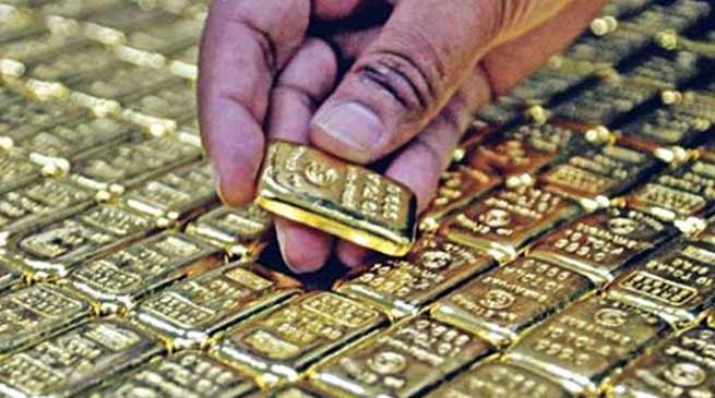 कोलकाता: DRI ने बस से 3.31 करोड़ रुपए मूल्य का सोना, चांदी व गांजा किया जब्त