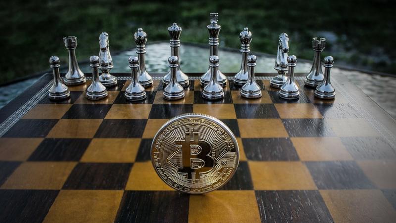 Blockchains privadas vs Blockchain pública: Guerra Fría entre bancos y bitcoin