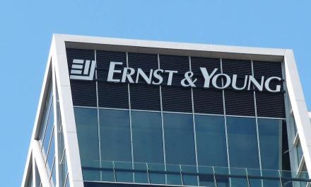 Ernst & Young alerta a la industria a no ignorar la tecnología blockchain