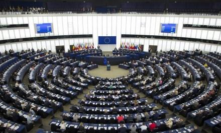 Unión Europea propone almacenar identidad de clientes de tiendas en línea que usen criptomonedas
