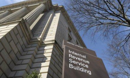 Servicio de impuestos de EEUU presiona a Coinbase a cambiar políticas