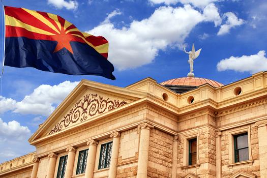 Contratos inteligentes y contratos tradicionales tendrán igual estatus legal en Arizona