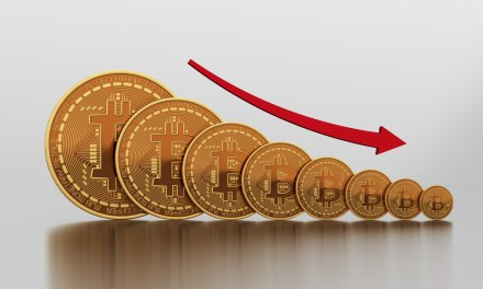 Bitcoin se derrumba 11% y cae bajo $2.700 mientras merma en dominio de mercado