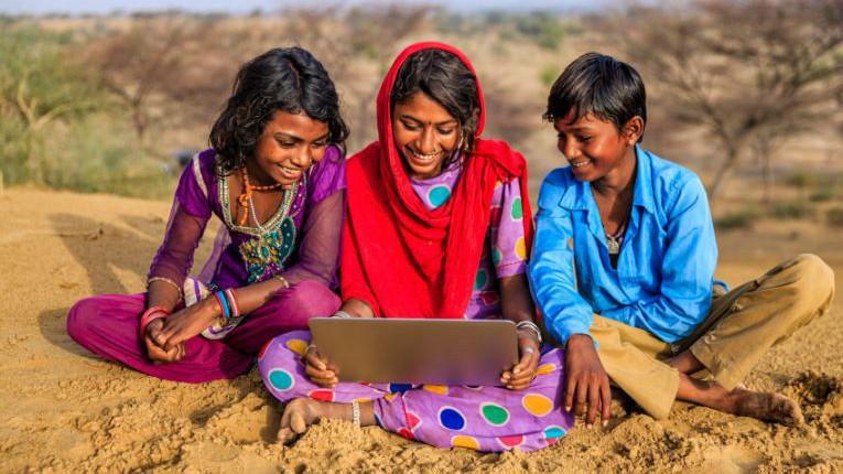 Crecimiento tecnológico en India promete futura adopción de blockchain y criptomonedas