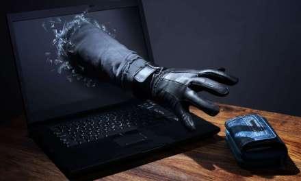 Hacker roba más de un millón de dólares en bitcoins falsificando el extinto mercado ilegal AlphaBay