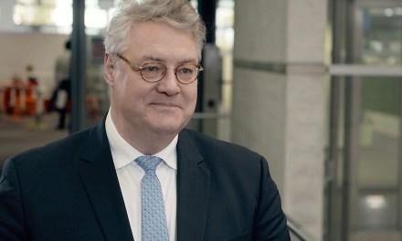 Estratega en Jefe de Deutsche Bank advierte a usuarios sobre invertir en bitcoin