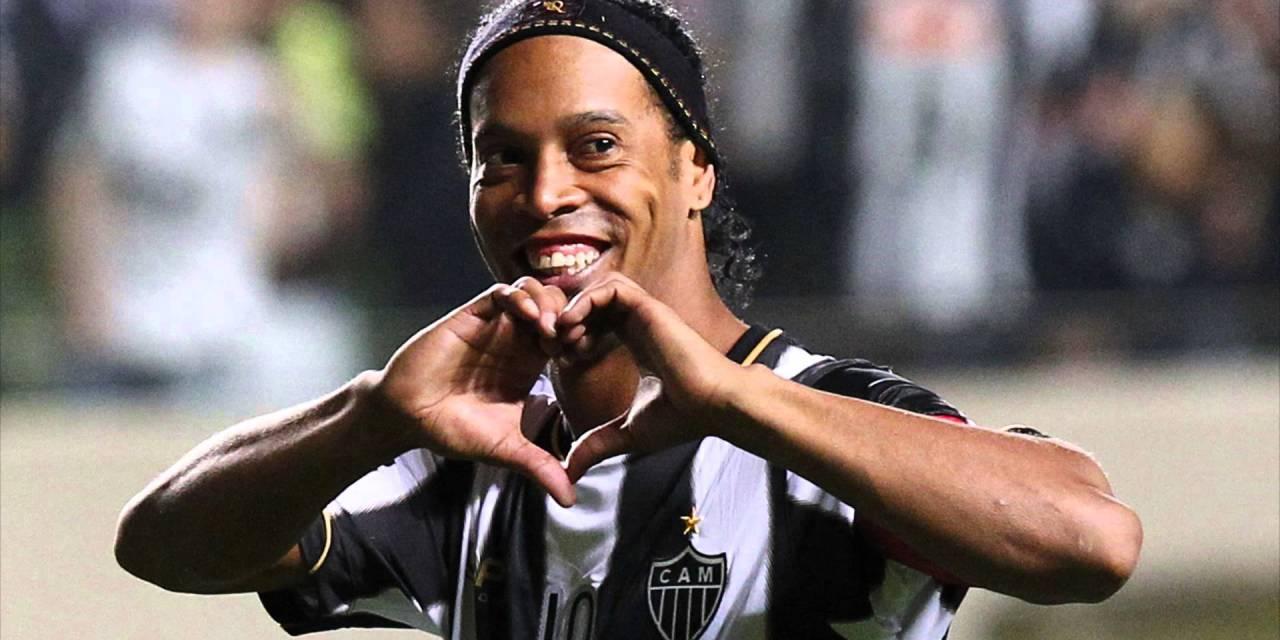 Blockchain llega a las canchas con Ronaldinho y Roberto Carlos