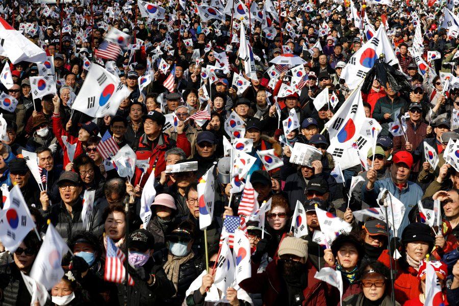 Más de 200.000 surcoreanos piden al gobierno que no acabe con el 'sueño felíz' de las criptomonedas