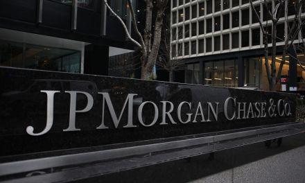 """J.P. Morgan advierte sobre los """"riesgos"""" que suponen las criptomonedas para el sector bancario en su informe anual"""
