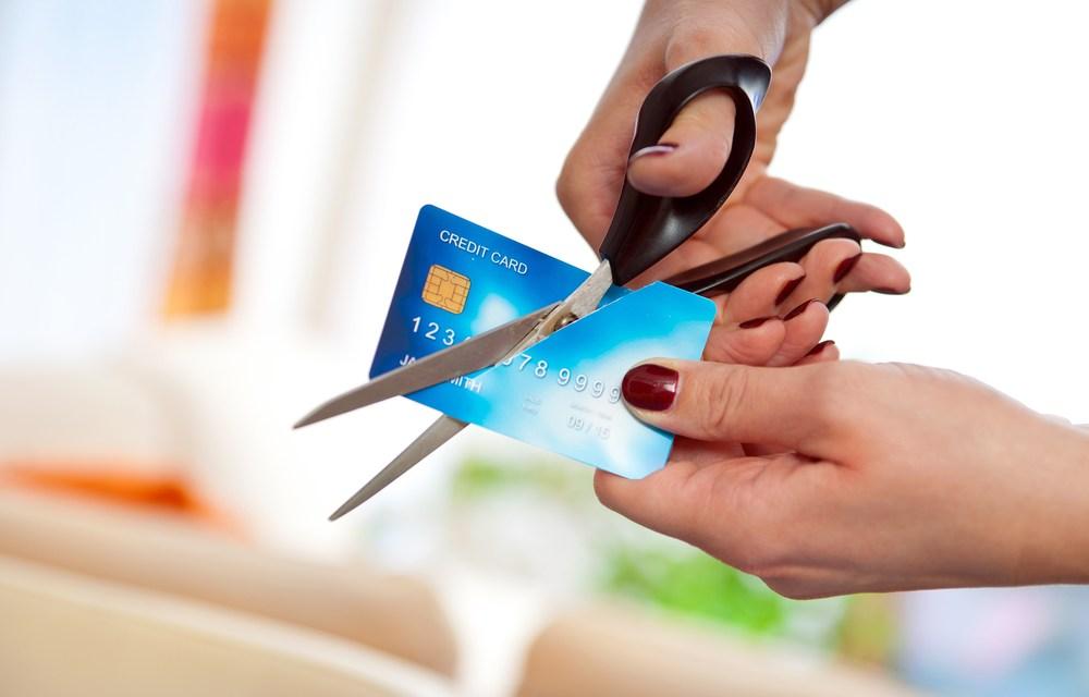 Lloyds Bank prohíbe compras de criptomonedas con tarjetas de crédito a 8 millones de clientes en 45 países
