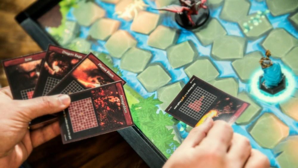 Nueva tableta de juegos basada en blockchain permitirá combinar objetos físicos con el mundo digital