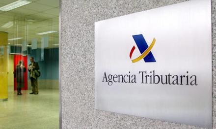 Agencia Tributaria española reclama a más de 40 empresas dirección de clientes que pagaron con criptomonedas en los últimos tres años