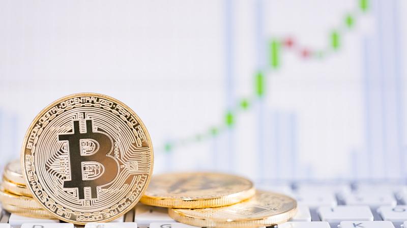 Bitcoin crece más de 700$ en tres días tras su marca más baja del año