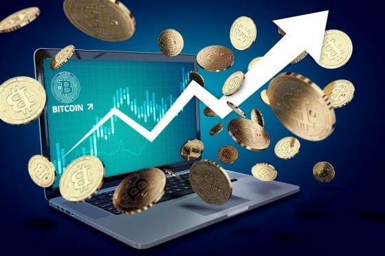 Bitcoin supera los $8.100 y el mercado de criptomonedas se pinta de verde