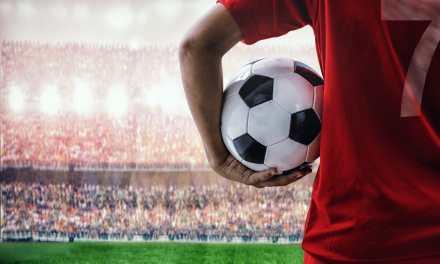 """La """"criptofiebre"""" llegó al fútbol: jugadores y equipos que se suman al uso de criptoactivos"""