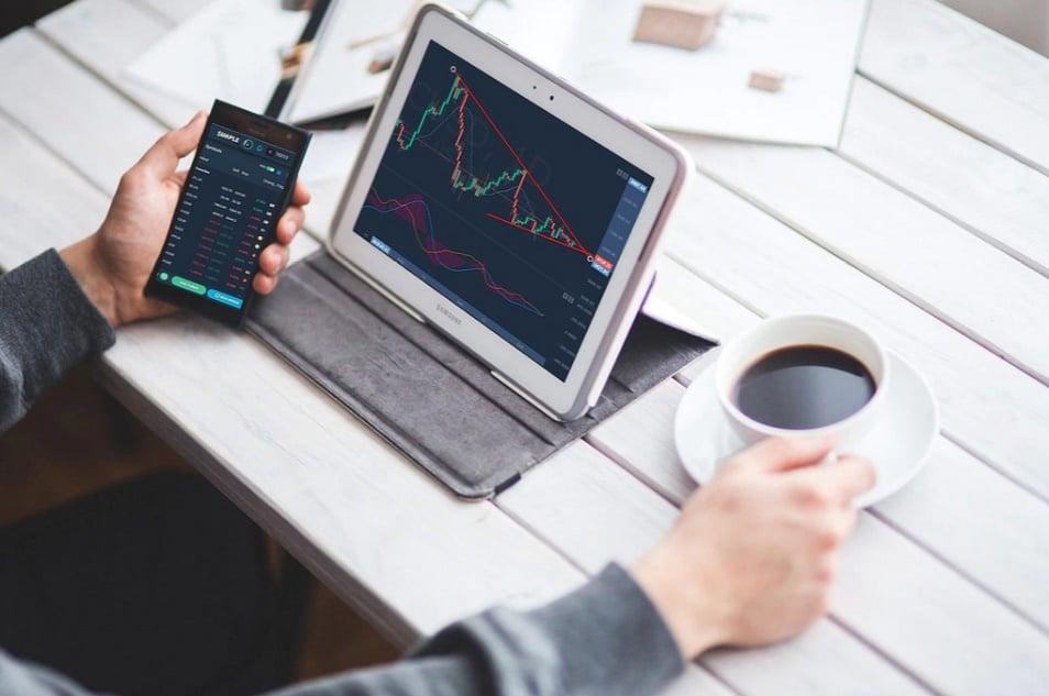 SimpleFX lanza versión de su aplicación de comercio y ofrece 20% de reembolso