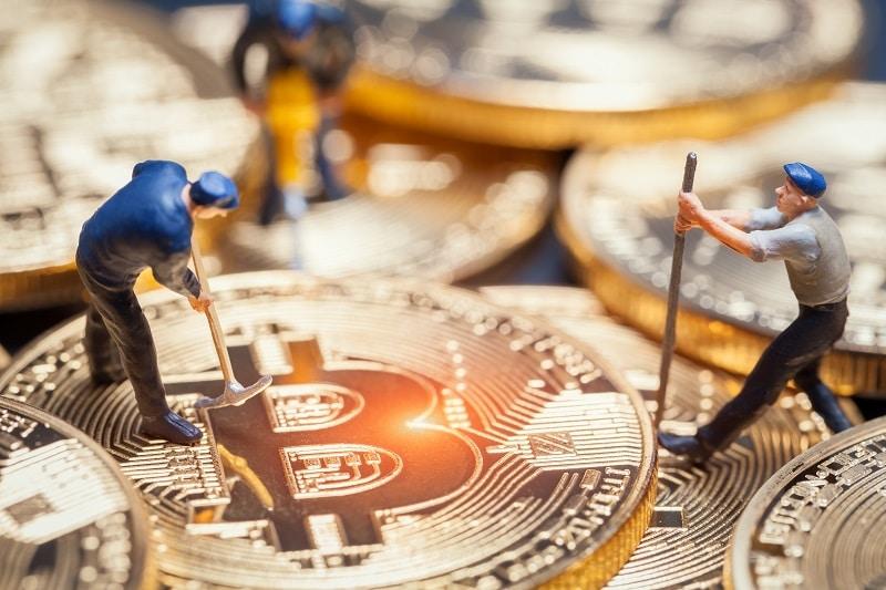 Dificultad de la minería de Bitcoin se reduce más de 7% en un mes