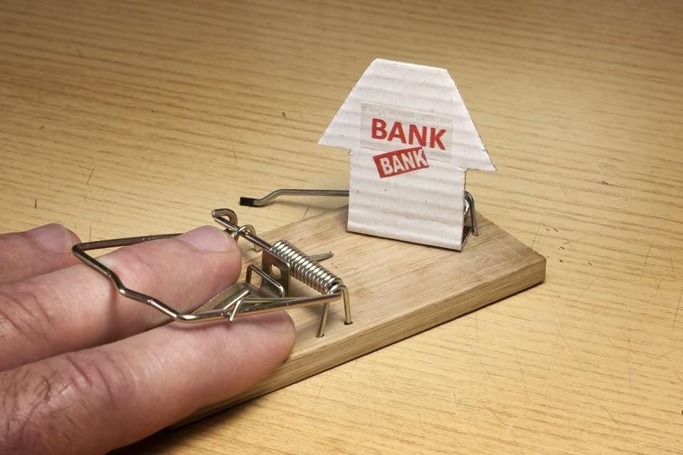 Bitcoiners cuentan sus peores experiencias con los bancos tradicionales