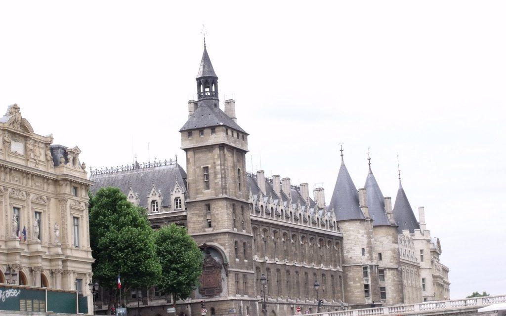 Tribunales de Francia implementarán Hyperledger Fabric para registros comerciales