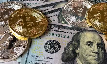 Desde procesadores hasta motores podrán pagarse con bitcoin en minorista