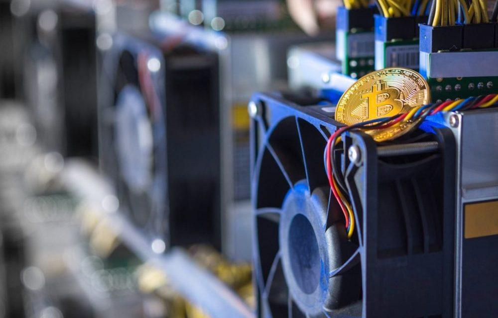 Minería en Bitcoin crece y en Ethereum cae a la mitad en un año