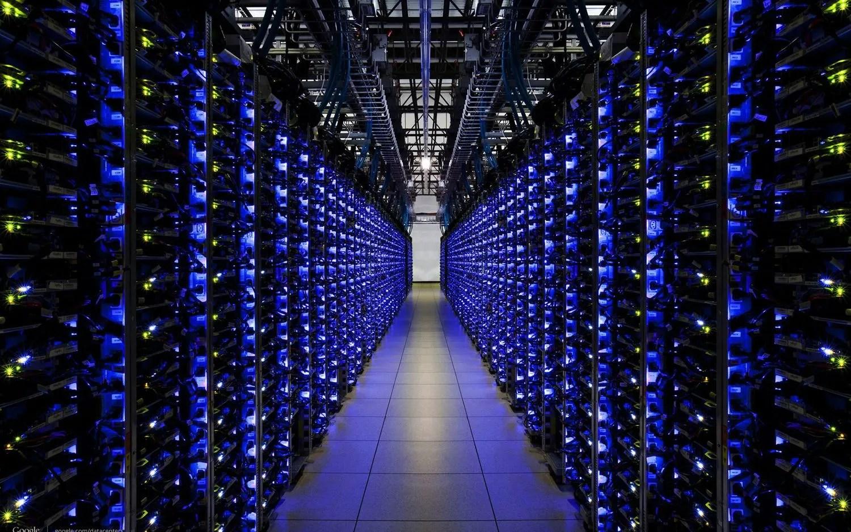 Cos'è il Mining - Bitcoin e Criptovalute 5 Servers Server Farm Engine Room