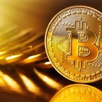 Bitcoin pasa los 9.000 dólares mientras el mercado de acciones sigue cayendo