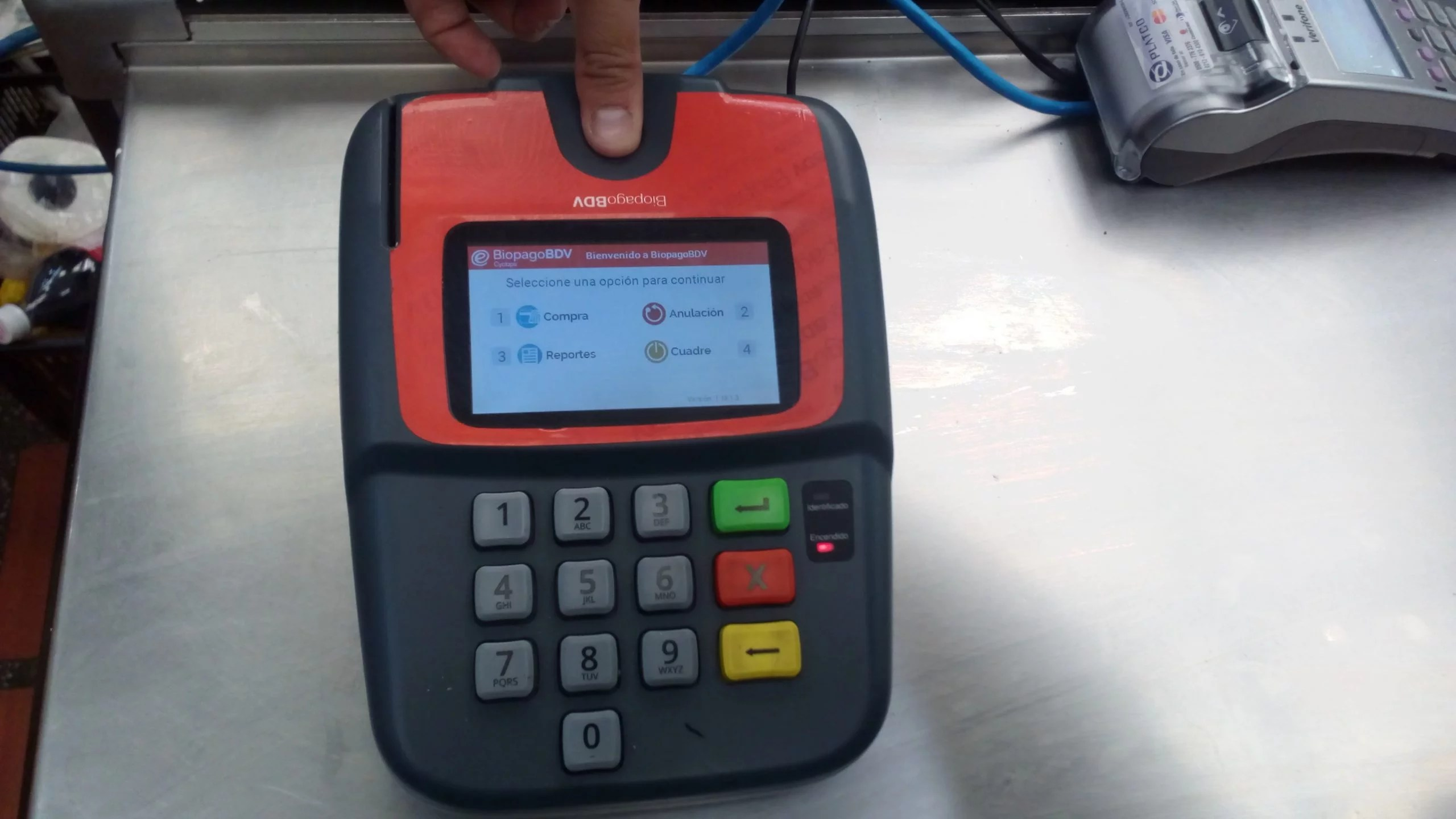 A la expectativa por las liquidaciones, los comerciantes venezolanos no pueden hacer la devolución de máquinas Biopago con las que aceptaron pagos en petros
