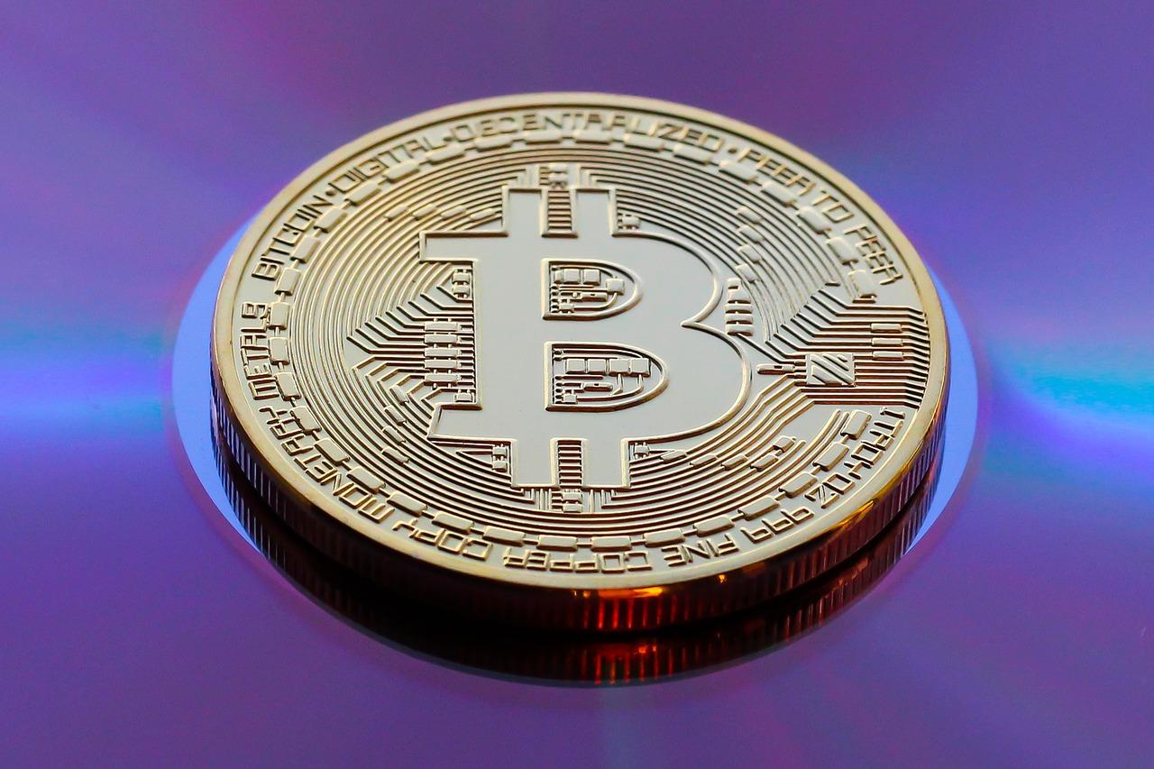 Mencionan a Oracle y Apple como las próximas empresas que comprarán Bitcoin y Twitter estudia cómo incluir la criptomoneda en sus balances