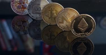 Bitcoin Litecoin Ripple Ethereum