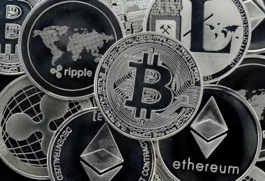 Bitcoin Ripple Ethereum decentralizzata