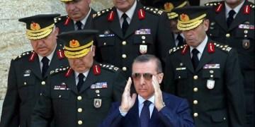 Γιατί ο Ερντογάν απειλεί τώρα να εισβάλλει στην Κύπρο