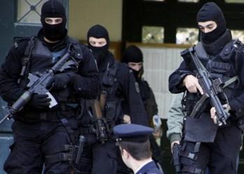 Πολλά όπλα, λίγα λεφτά βρήκε η αντιτρομοκρατική στους τρεις συλληφθέντες για τρομοκρατία 27