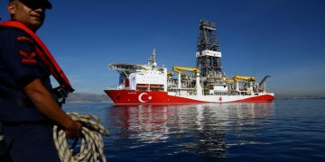 Turkish drilling vessel Fatih is pictured off the Mediterranean resort city of Antalya, Turkey October 30, 2018. REUTERS/Kaan Soyturk