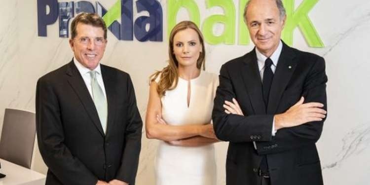 Praxia Bank: Η πολύφερνη νύφη μπορεί να μείνει στο ράφι 22