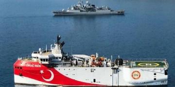 Σειρήνες στο Αιγαίο: Στρατιωτικό συμβούλιο στο ΓΕΕΘΑ, ΚΥΣΕΑ στο Μαξίμου 23