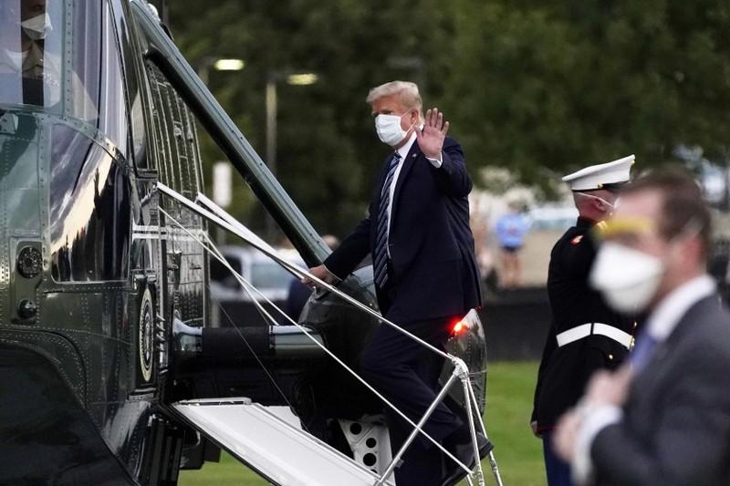 Ο Ντόναλντ Τραμπ επιβιβάζεται στο Marine One