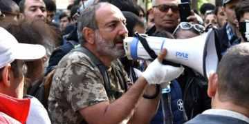 Αρμενία: Φήμες για πραξικόπημα και απειλές για εμφύλιο