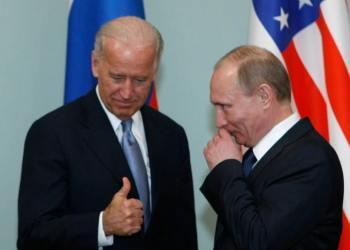 Μαστίγιο και... καρότο από Μπάιντεν σε Πούτιν