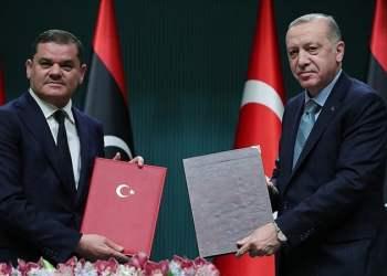 """Ο Ερντογάν """"μπετονάρει"""" το Μνημόνιο με Λιβύη: 5 συμφωνίες και 150 χιλ εμβόλια"""