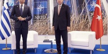 Ταγίπ Ερντογάν και Κυριάκος Μητσοτάκης στο NATO