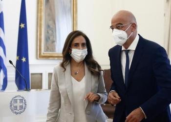Νίκος Δένδιας μετην αντιπρόεδρο της κυβέρνησης και υπουργό Εξωτερικών και Άμυνας του Λιβάνου, Ζέινα Ακάρ