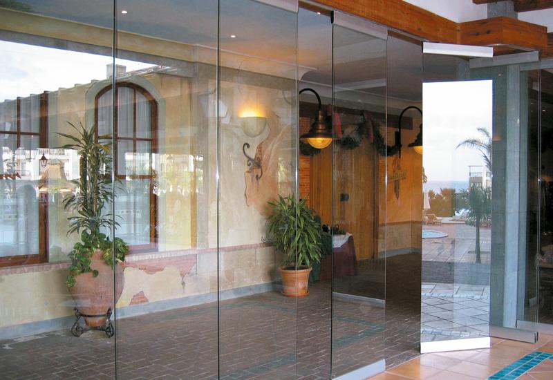 Cerramientos móviles de vidrio PARKING GLASS SV-P40Cerramientos móviles de vidrio PARKING GLASS SV-P40 - porche