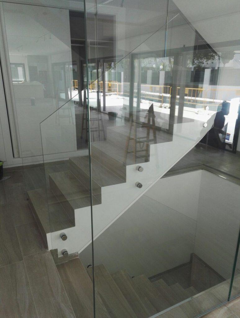 Barandillas De Escaleras Interiores Great Great De Barandas Para  ~ Barandillas De Cristal Para Escaleras Interiores