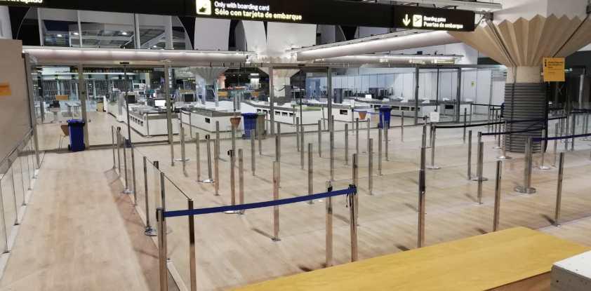 Acristalamiento en el aeropuerto de Sevilla - Erausquin