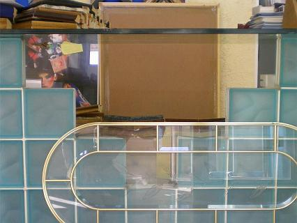 Frentes y mesas de cristal.