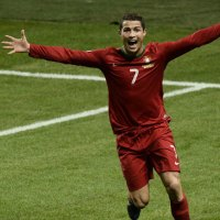 Ronaldo Explains Why He is Better Than Messi