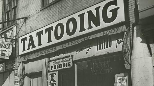 decoracion-tattoo-shop-lettering-vintage