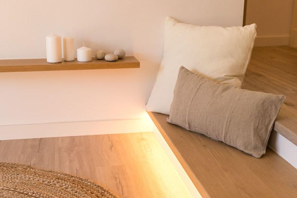 detalle escalón iluminado villa blanca.alt